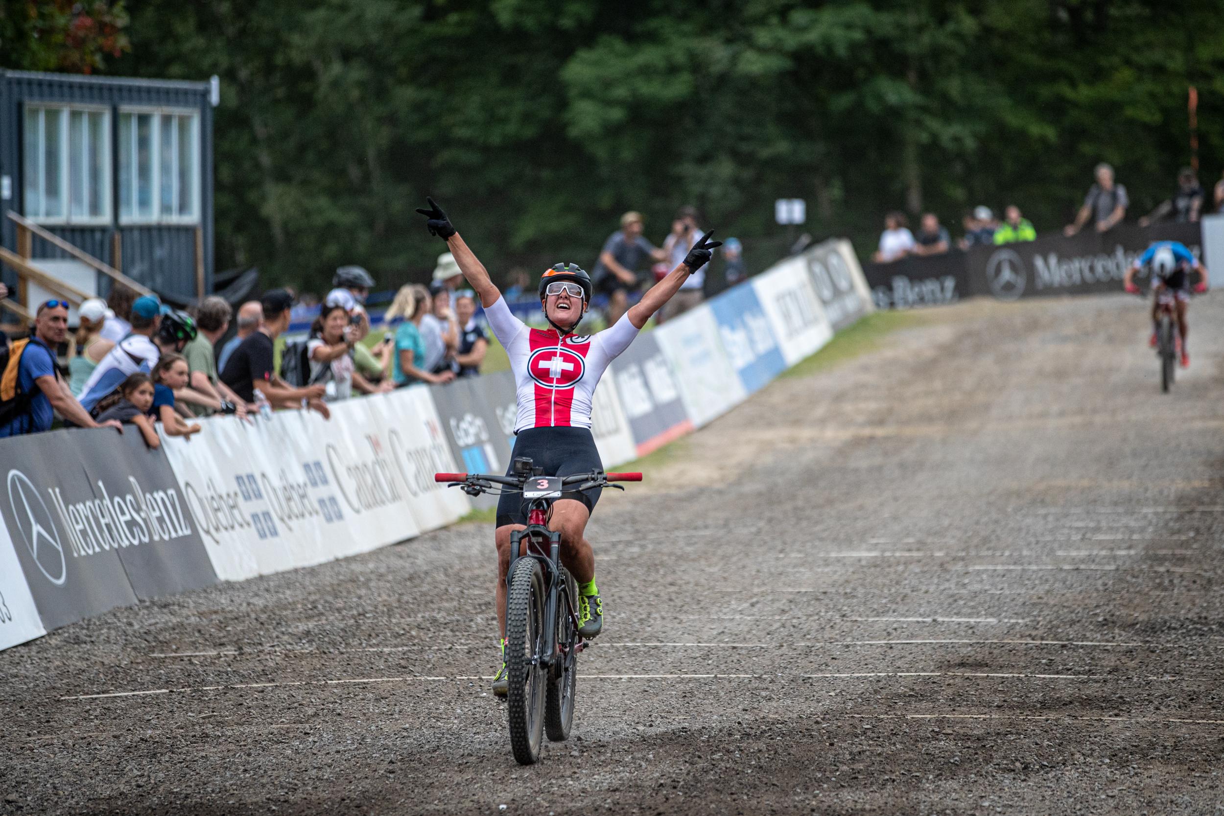 Nathalie Schneitter ist die Siegerin an der E-Bike Weltmeisterschaft Mont-Sainte-Anne Kanada, E-Mountainbike