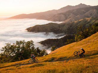 Vélo tout terrain falaise