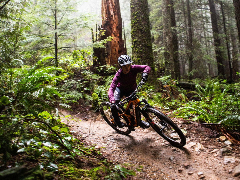 Christina Chappetta cornering in wet terrain