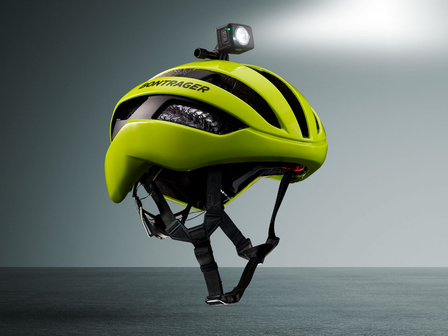Circuit WaveCel helmet with light on top and grey background